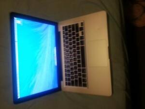 "500gb 2ghz 4gb macbook 13"" unibody OSX Windows 10"