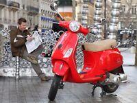 2011 MODEL PIAGGIO VESPA LX125 IN RED COLOUR