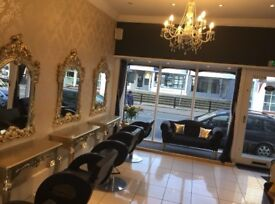 Hairstylist / barbers Nail technicians Large beauty room to rent