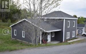5 Bedroom House for sale in Beaver Harbour NB.