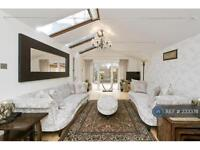 3 bedroom flat in Maida Vale, London, W9 (3 bed)