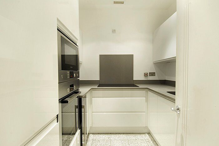 High Spec - 2 Double bedroom Apartment - WESTMINSTER