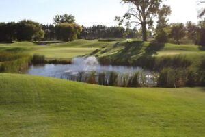 GOLF COURSE VIEW or RIVER VIEW – YOUR CHOICE!