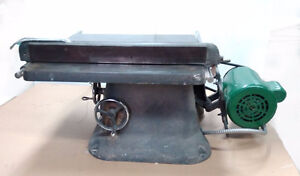 """8"""" Beaver Table Saw with 1HP enclosed motor"""