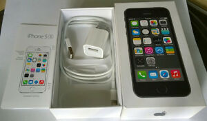 NEW PRICE!! MINT iPhone 5s, with Charger cable and Box, Grey, 16 London Ontario image 1