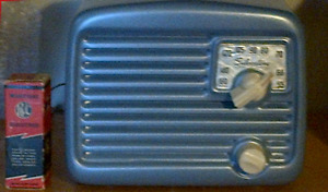 "Restored ARVIN metal tabletop radio only 6 1/2 "" wide! NEW PRICE"