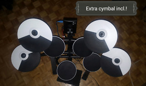 Roland TD1K electronic drum set with extra cymbal!