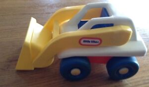 VINTAGE LITTLE TIKES LOADER TRUCK WITH DRIVER Gatineau Ottawa / Gatineau Area image 3