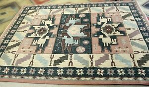 "Rug Beautiful condition 5' 7"" by 7'9""  Clean Condition Kingston Kingston Area image 3"