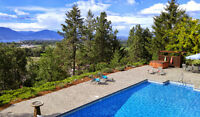Stunning Luxury Home w/ Pool and Gorgeous Lake Views