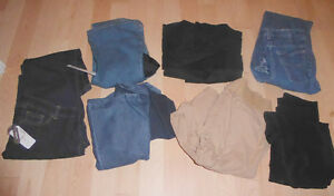 Maternity jeans/pants $ 3 - $ 10/each size M, 4-piece size L $10 Kitchener / Waterloo Kitchener Area image 1