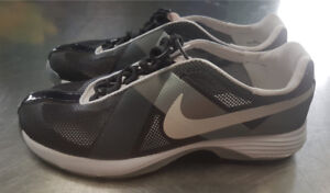 Women's Nike Hyperfuse Running Shoes - SIze 5 (NEW)