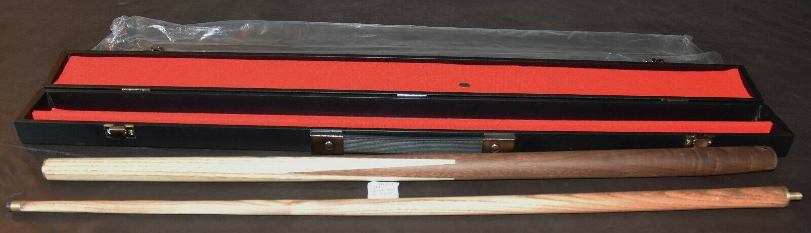 Snooker/Pool New 57 inch Two Piece Cue with Hard Case