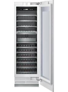Cellier Thermador 24 po, 98 bouteilles, Custom-panel, Stainless