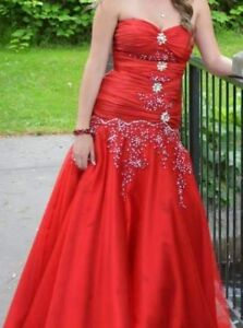 For rent 2 weeks gorgeous red grad dress