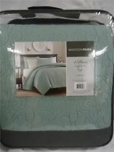 Madison Park Coverlet Set- Twin 1 sham brand new only 20