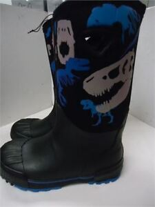 Boys Waterproof Boots - Size 5 brand new only 20 Winter lined