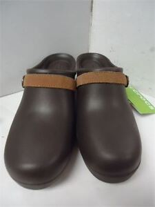 Ladies Crocs-binb size 9 only 25 they are not  chaep made ones
