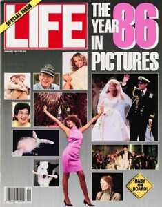 """LIFE Magazines - """"The year in pictures"""" - 8 issues"""