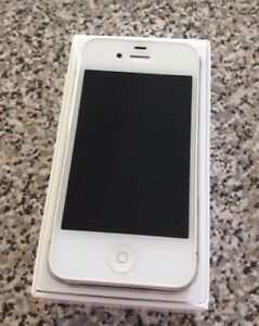 iPhone 4s White 16 GB Rogers in MINT Condition