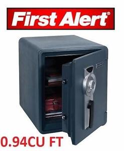 NEW* FIRST ALERT WATERPROOF SAFE 0.94 CUBIC FEET 1 HOUR FIRE SAFE WITH DIGITAL LOCK GRAY SECURITY  99224133