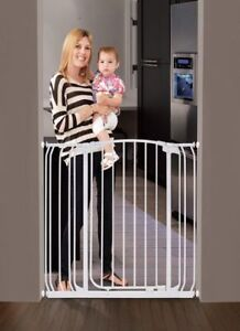Dreambaby Extra Wide Baby Gate