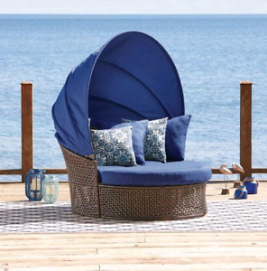 Wanted: Hometrends tuscany daybed