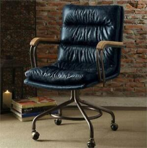 Recliners, chairs and stools - Live online Auction in Burlington