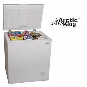 USED ARCTIC KING CHEST FREEZER   5 CU. FT. - WHITE - HOME KITCHEN REFRIGERATOR FREEZER APPLIANCE  84580034