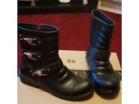 Boots and shoes size 6 (39)