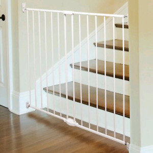 Tall extendable baby gate