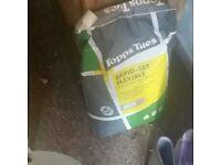 Floor and tile rapid set adhesive
