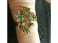 Diamond and emerald ladies ring. Size L/M