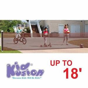 NEW KIDKUSION 18' DRIVEWAY GUARD RETRACTABLE BLACK UP TO 18' GATE GATES GUARDS BLOCKER SECURITY SAFETY NETTING 93931585