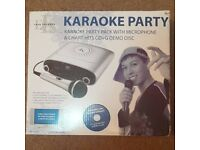 EASY KARAOKE PARTY PACK WITH MICROPHONE & CHART HITS CD