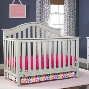 """Grey Fisher Price 4 in 1 Kingsport Crib - NEVER USED - PAID 400"""""""