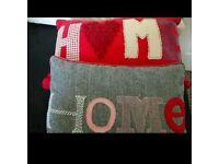 2 cushions
