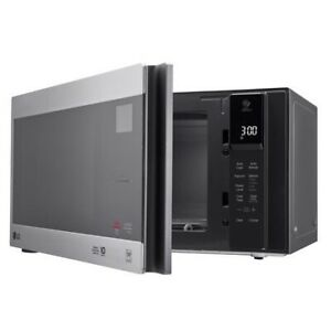 LG 0.9 cu.ft Counter Top Microwave