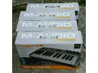 Oxygen 8 v2 MIDI Keyboard's