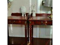Ocasional/bedroom/hall tables. Pair
