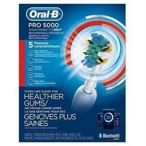 NEW ORAL-B PRO 5000 WITH BLUETOOTH TECHNOLOGY ELECTRIC RECHARGEABLE TOOTHBRUSH