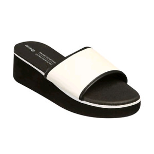 New wedge slippers