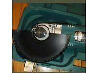 NEW Makita 240V 9inch ga9020 grinder cutter with disks