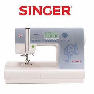 NEW SINGER SEWING MACHINE   QUANTUM STYLIST - 8820 STITCH COMPUTERIZED - LARGE LCD SCREEN - 13 PRESSER FEET 97857906