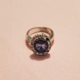 Diamante Ring with Blue Gemstone