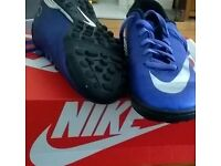Nike astro trainers size 5