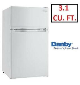 NEW DANBY DESIGNER COMPACT FRIDGE 3.1 CU FT REFRIGERATOR - HOME KITCHEN APPLIANCE  BAR FREEZER 78688377