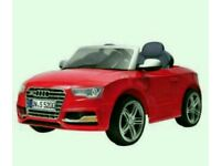 Audi kids ride on never been outside