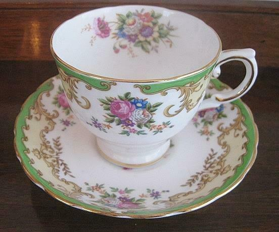 Vintage Tuscan Fine English Bone China Tea Cup & Saucer Lorraine Pattern Green