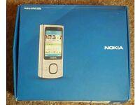 Nokia 6700 slide phone